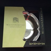 "Wilton Armetale Belle Mont 12"" Serving Bowl 385284 NEW in Box - $53.45"
