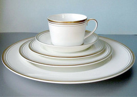 Monique Lhuillier Ruban D'or 5 Piece Place Setting Royal Doulton Made in UK New - $84.90
