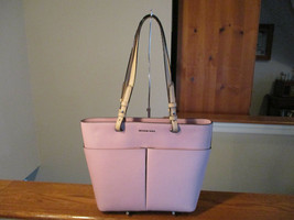 Authentic Michael Kors Bedford Pale Lilac Leather Medium TZ Pocket Tote ... - $128.69