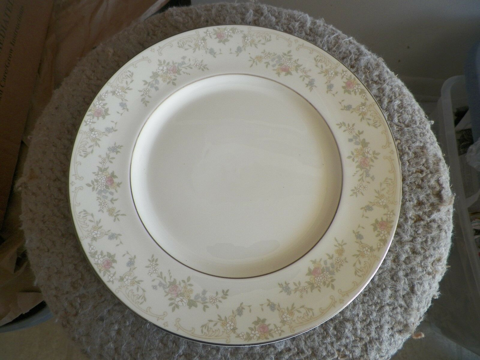 Royal Doulton Diana dinner plate 20 available