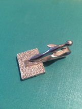 Vintage 60s silver plated Textured Square and Seahorse tie clip (bar style) image 4