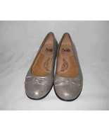 Womens Size 8.5 SOFFT Metallic Flat Shoes - $42.39