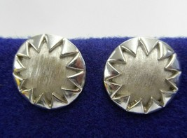 TRIFARI CLIP ON EARRINGS SILVER TONE ROUND RELIEF CIRCLE SUN ICON JEWELR... - $11.39