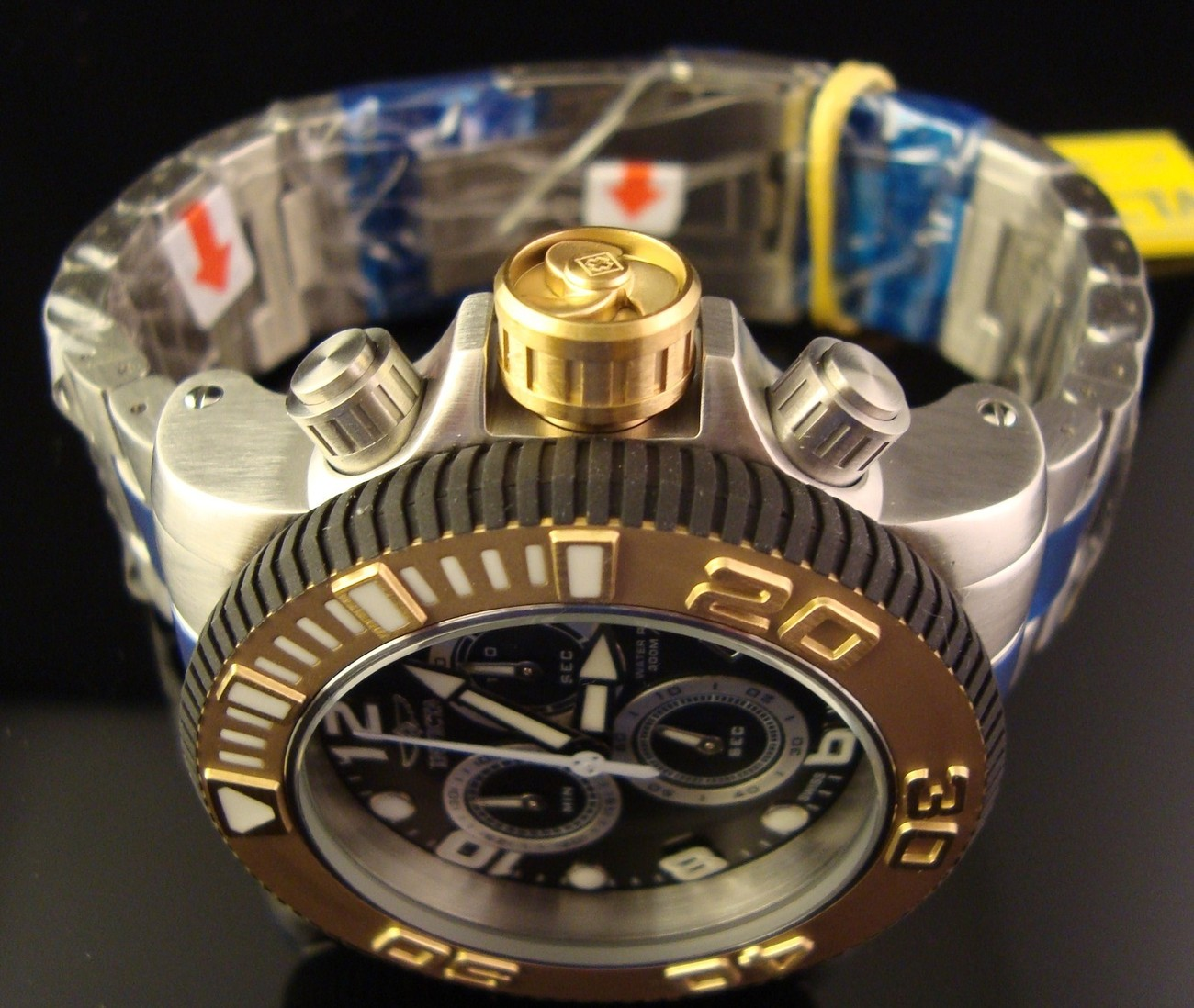 NEW MENS INVICTA MASTER OF THE OCEANS SWISS SEA HUNTER S.S. CHRONO MSRP $1595