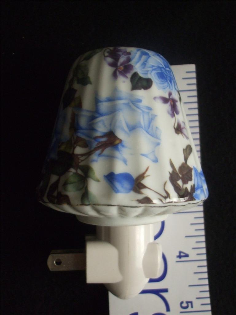 Ceramic Night Light Lamp Shade Roses, Floral NEW Blue