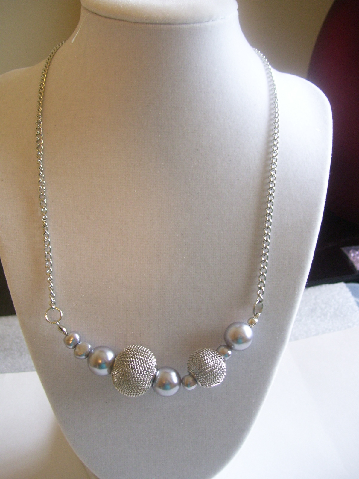 Silver Toggle Mesh and Gray Round Bead Necklace
