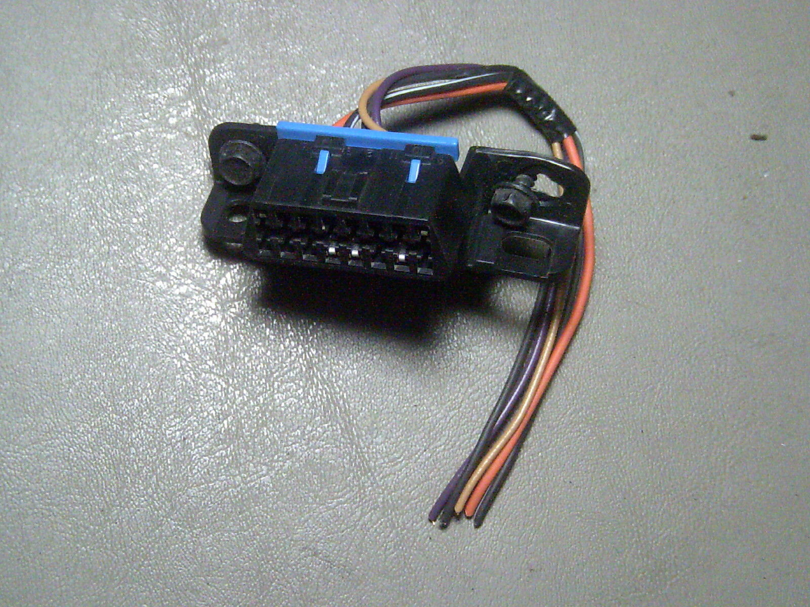 Primary image for 98 Camaro 3.8 3.8L Under Dash Diagnostic Plug Connector With Pigtail Wires