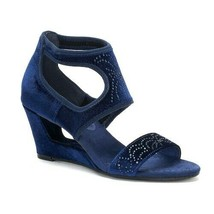 New York Transit Natural Pretty Wedge Sandals Navy Size 6.5 M - $39.59