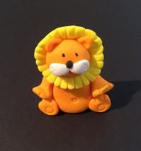 lion fondant cake topper - $19.00