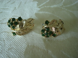 Vintage Rhinestone Clip Earrings ~ Green ~ Lisner - $6.00