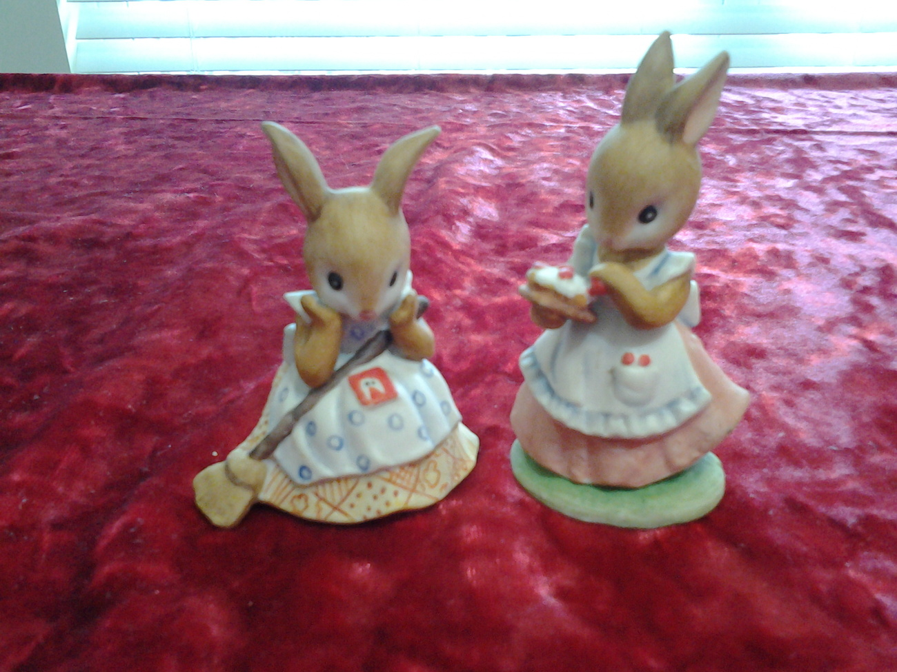 China Lefton Figurines,Hand Painted 00303 Bunnies,Mother Sweeping & Mother Pie