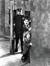 Charlie Chaplin & Jackie Coogan in a publicity photo for the 1921 movie ... - $7.18