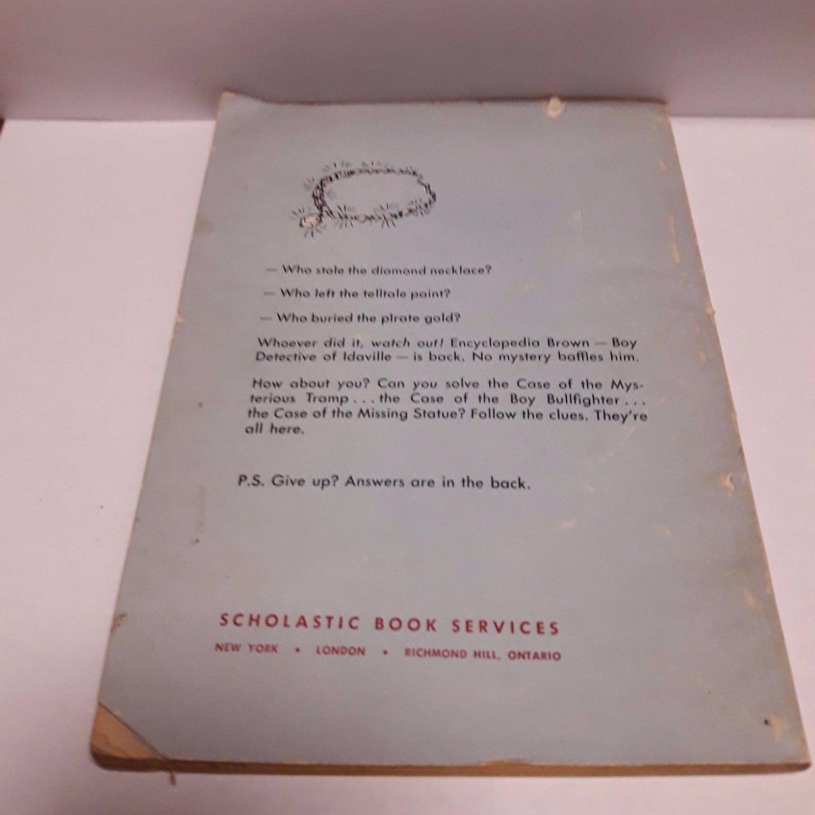 Vintage 1966 Encyclopedia Brown Finds the Clues PB book D Sobol TX995 1st ed SBS