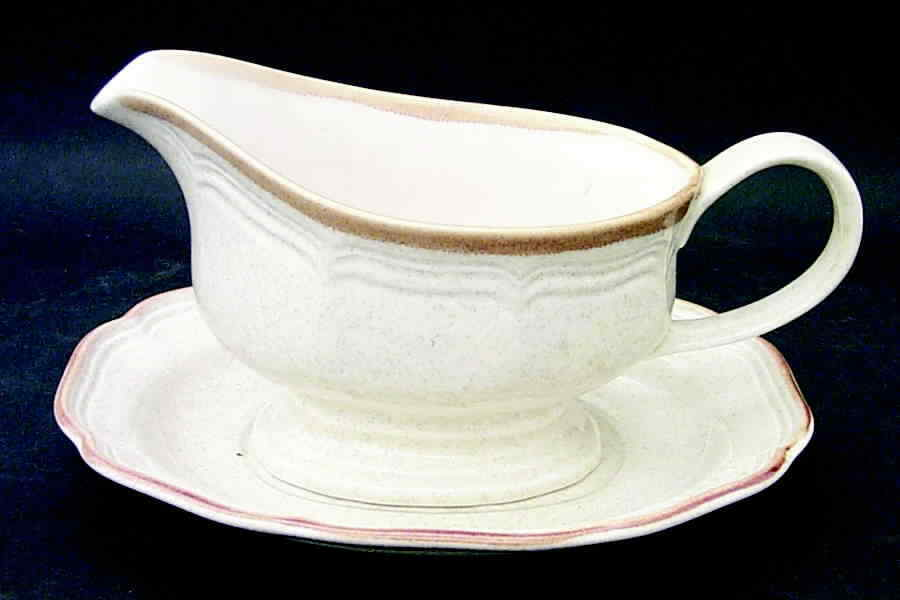 Primary image for Mikasa Garden Club Gravy Boat With Underplate EC400 Japan Perfect Condition