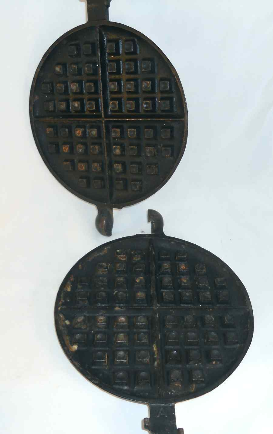 1922 Cast Iron American No. 8 PATT. No. 151 Griswold Ball Joint Waffle Maker