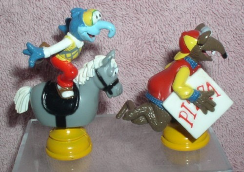 Jim Henson  The Muppets Gonzo rides a hobby horse and Rizzo the rat 2 pvc