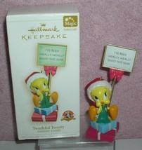 Warner Brothers Loony Tunes Tweety Twuthful  Hallmark Ornament - $17.40