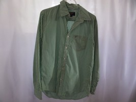American Eagle Green and White Stripe Long Sleeve Button down - $268,59 MXN