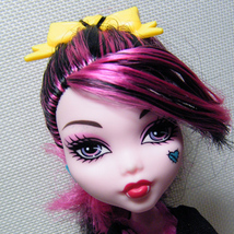Monster High DRACULAURA - Save Frankie Freaky Fusion Dressed Doll, Deboxed - $12.50