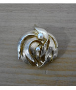 Brooks Goldtone Leaf Pearls Pin Brooch Vintage 2 inches Signed - $23.74
