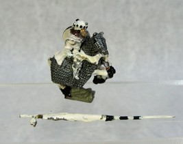 VINTAGE 1978 DUNGEONS AND DRAGONS D&D MINIATURES ELAN MERCH KING ON HORS... - $24.74