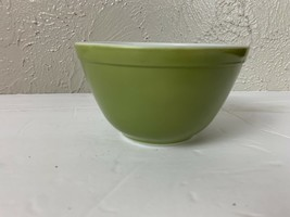 Vintage Pyrex  Yellow-Green Verde Small Mixing Bowl #401 1 1/2 pint - $12.16