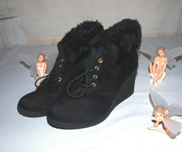 White Mountain Booties Sampson Style Faux Suede & Faux Fur Black Size 8.5M - £18.93 GBP