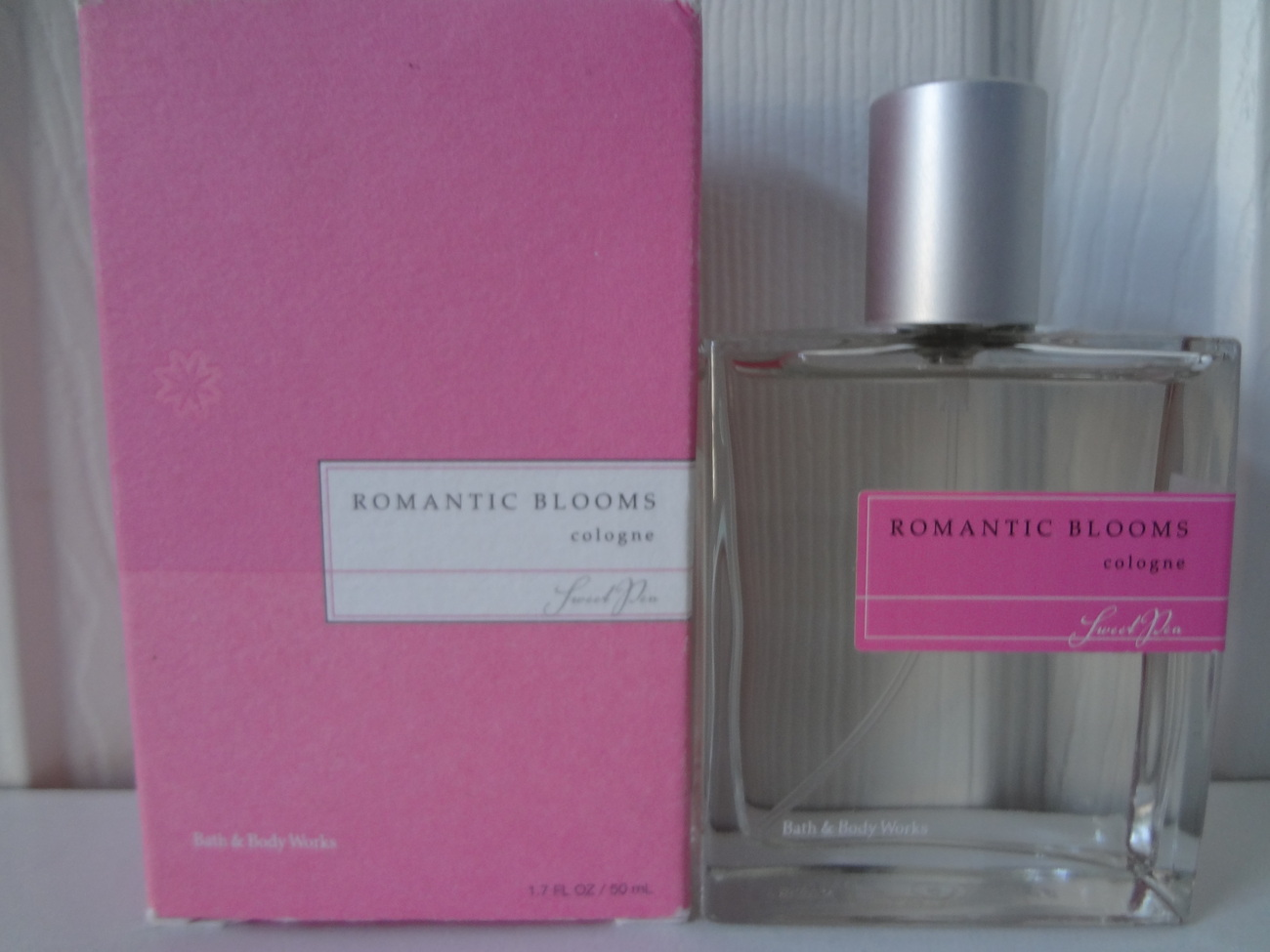 Bath & Body Works Sweet Pea Romantic Blooms Cologne 1.7 oz / 50 ml