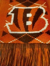 Cincinnati Bengals Nfl Scarf Double Sided Logo Uni Sex Warm Winter *Nwt* - $12.38