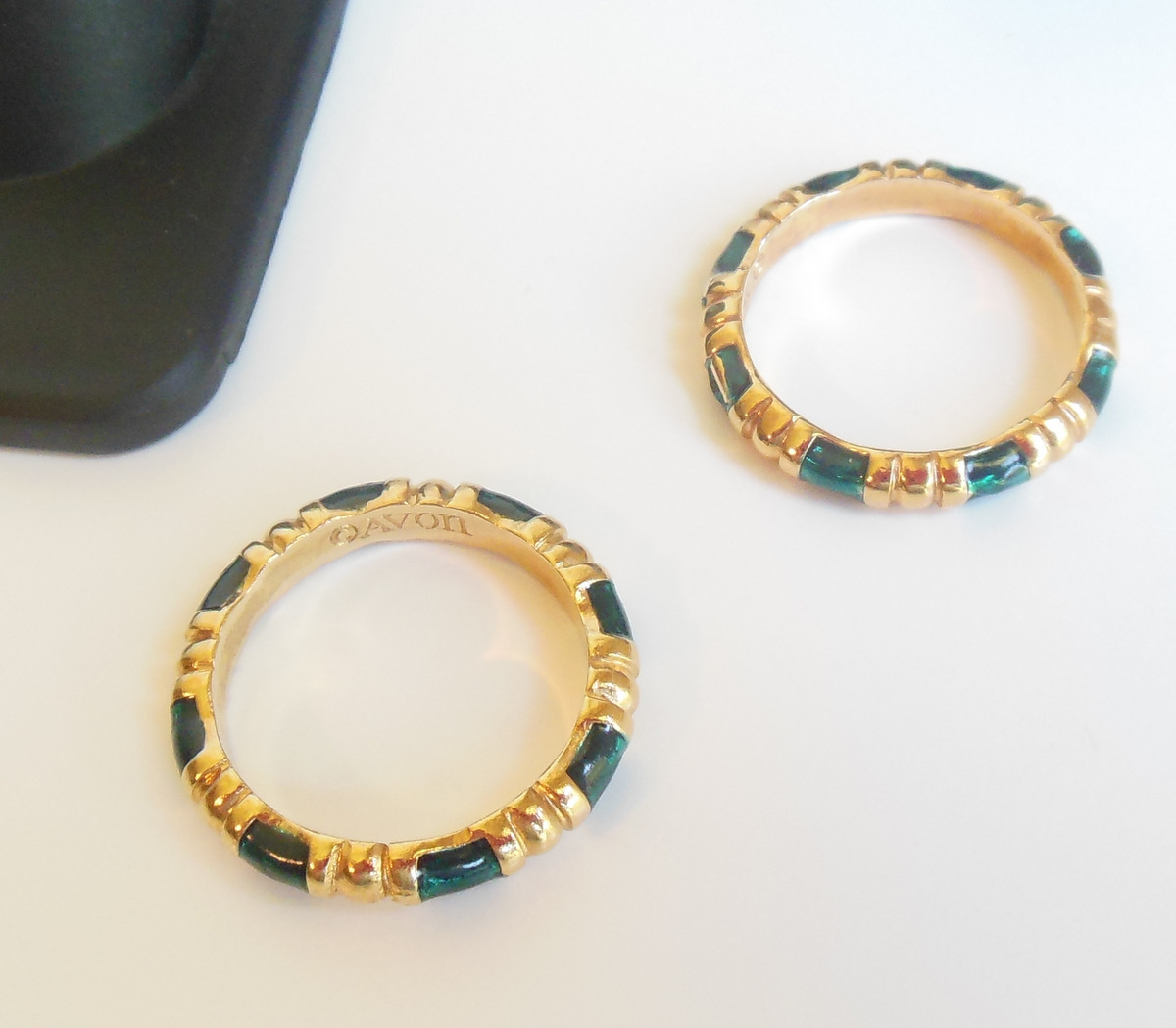 Vintage 70s Avon ring Gold green teal enamel band Royal Circle 1979 minimalist dainty size 6