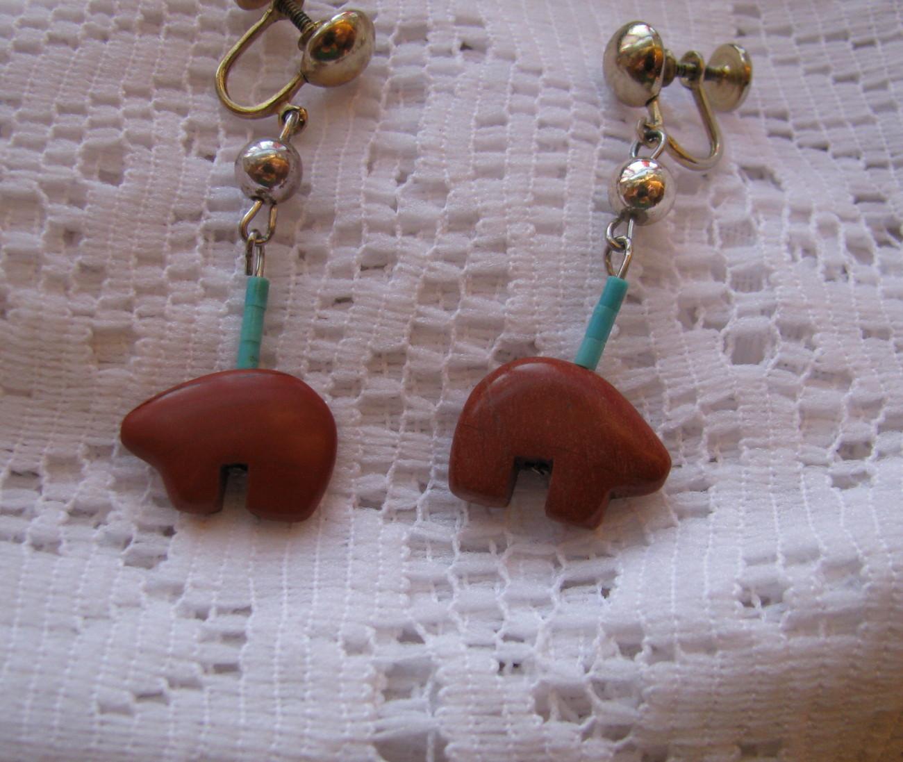 Bear earring fetish zuni