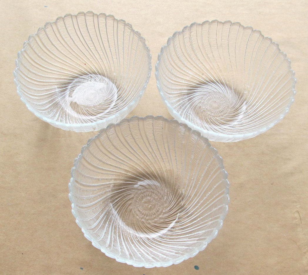Arcoroc (3) Large Clear Glass Serving Bowls In The Seabreeze Design - Made In Fr