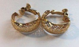 Napier Thick Hoop Criss Cross Gold Tone Screw Back Earrings Vintage Women  image 2