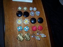 Lot of 10 pair (20 earrings) Vintage Clip-on Earrings Mixed lot LOOK! - €12,03 EUR
