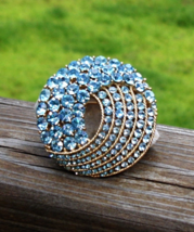 Vintage Crown Trifari© Blue Topaz Rhinestone Cavalcade Brooch - $88.00