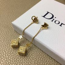 Authentic Christian Dior 2019 DIOR LUCKY SQUARE EARRINGS CRYSTAL DANGLE DROP image 6