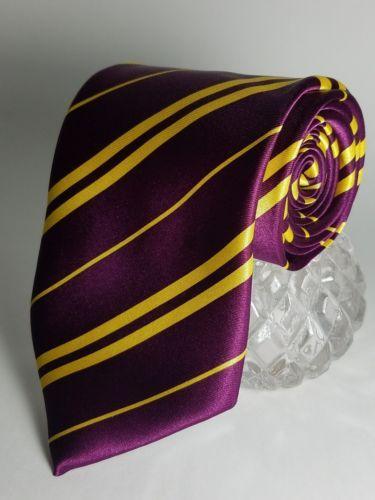 "Harry Potter Gryffindor  Neck Tie EUC Polyester 55"" x 4"" Short"