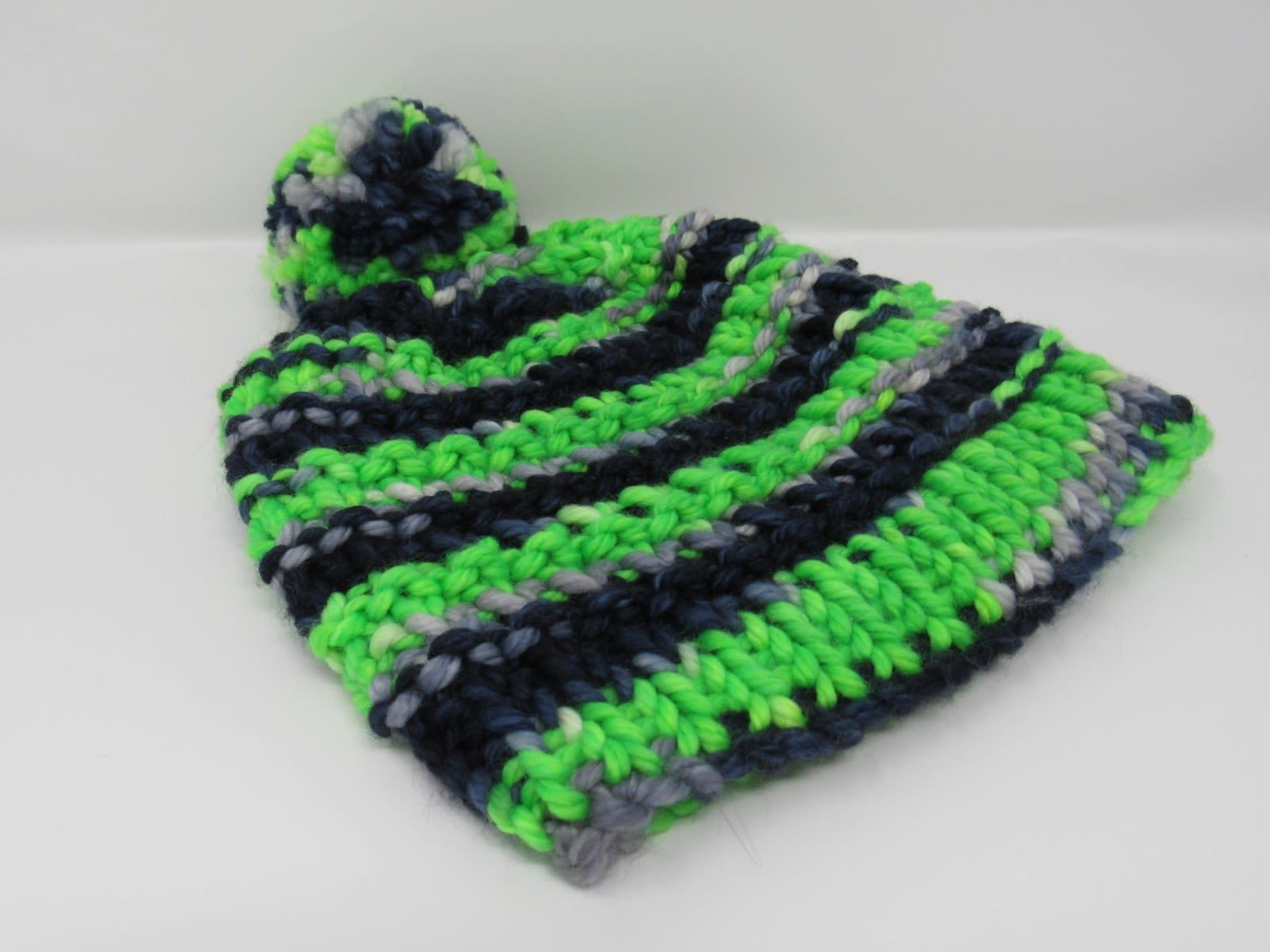 Handcrafted Knitted Hat Seahawks Pom Pom 100% Merino Wool Unisex Kids 4-6