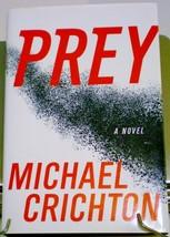 Prey by Michael Crichton HC DJ 2002 Sci-Fi thriller - $4.25