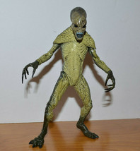 "VINTAGE X FILES ALIEN ACTION FIGURE 1998 MCFARLANE TOYS MONSTER 6"" - $11.84"