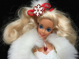 Happy Holiday Special Edition Barbie 1989 Mattel 3523 White Dress with Stand Fur - $19.75