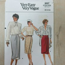 Vintage 1980s VOGUE 9527 UNCUT Sewing Pattern Size 6-8-10 Retro Straight Skirt  - $35.59