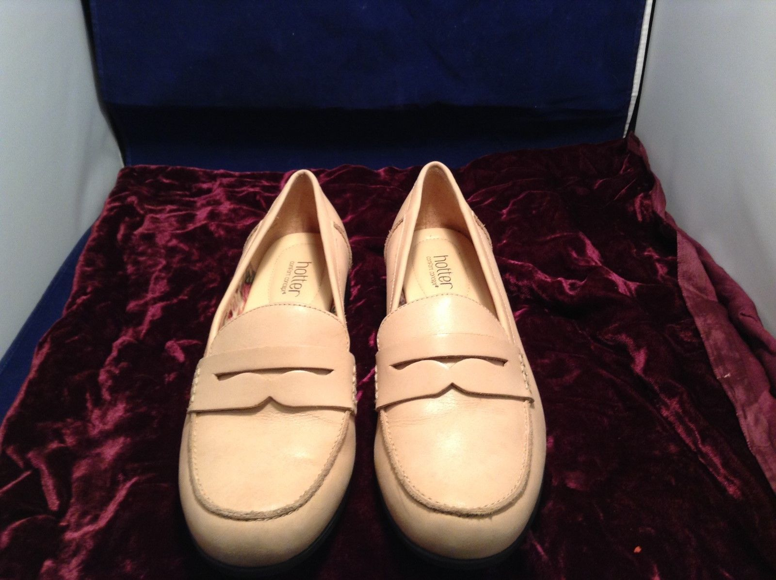 Hotter Cream Colored Penny Loafers Sz 11