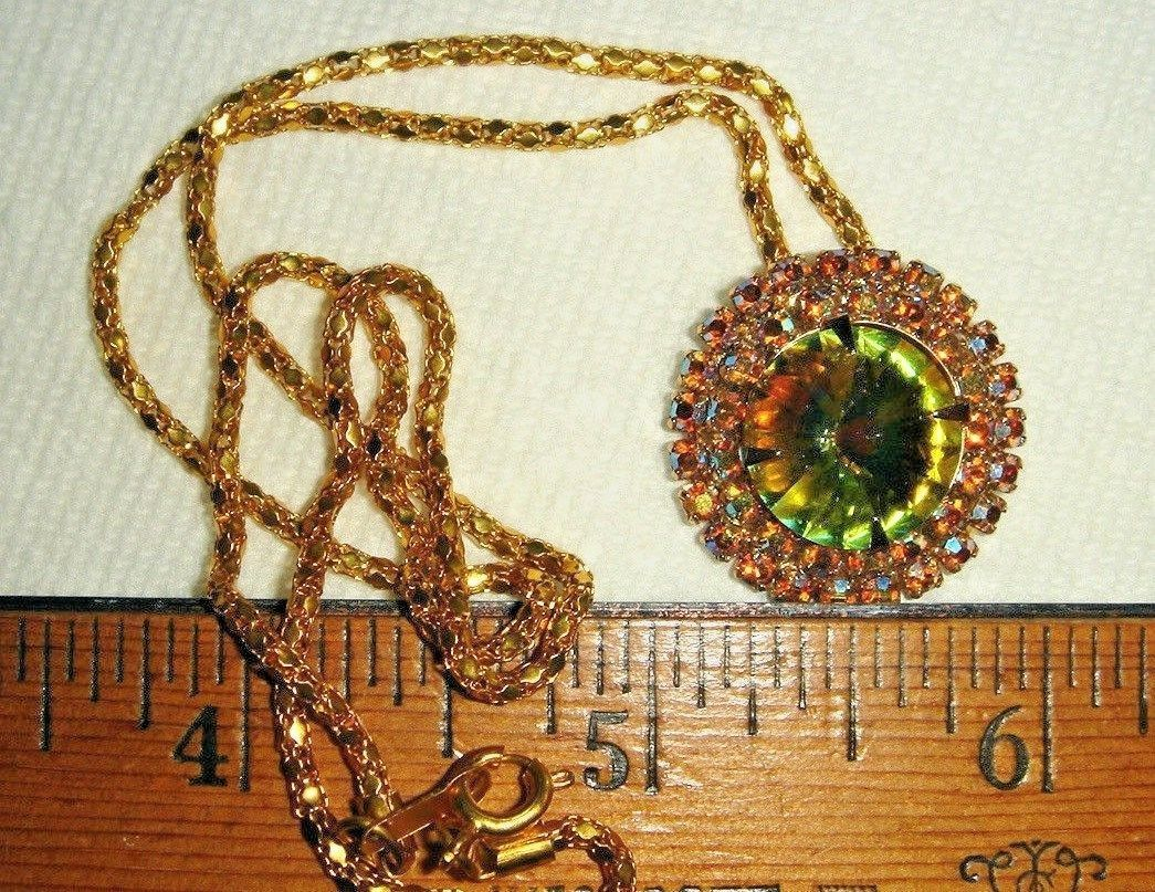 VTG RAINBOW CRYSTAL WATERMELON RIVOLI RHINESTONE NECKLACE CLIP EARRING SET 2