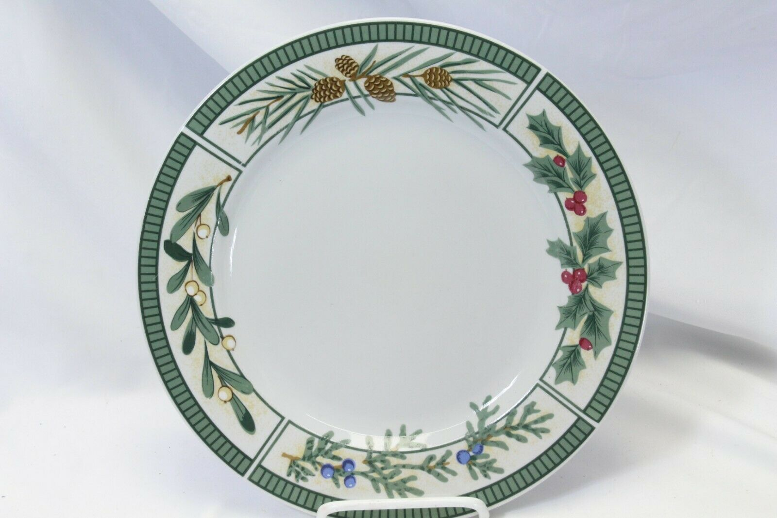 Fairfield Wintergreen Plates and Bowls Lot of 15  Christmas image 6