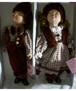 Porcelain  Kissing  Dolls  With  Stand  NWOT - $18.95