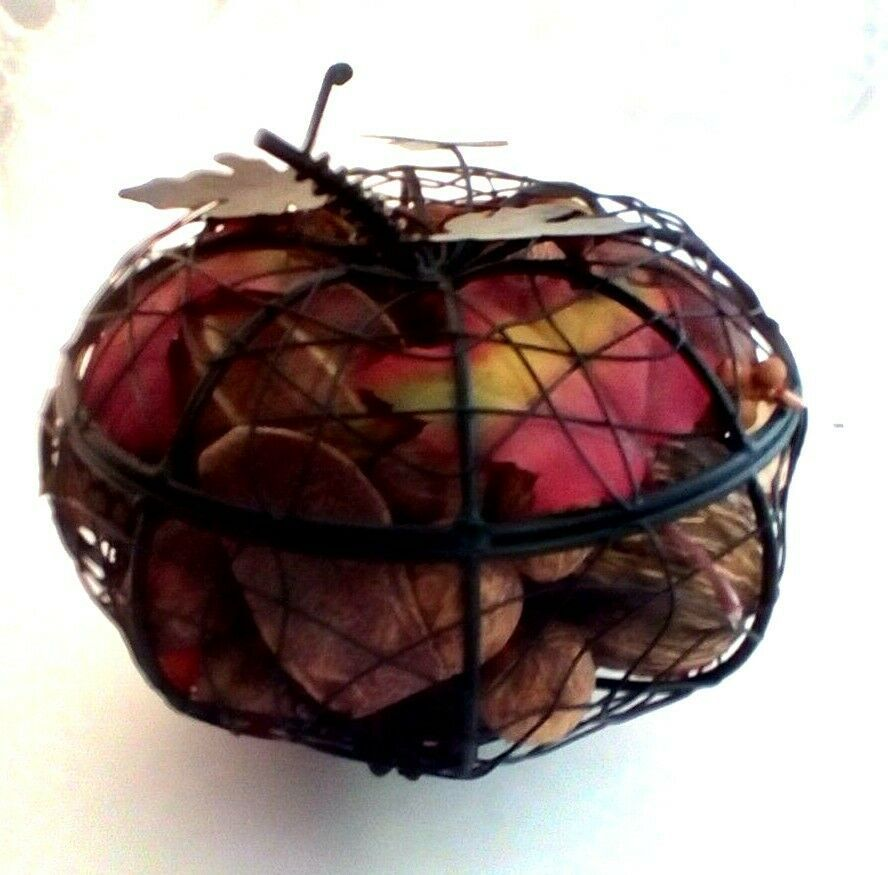 Primary image for Primitive Autumn Style Potpourri Black Metal Basket Pumpkin Shape