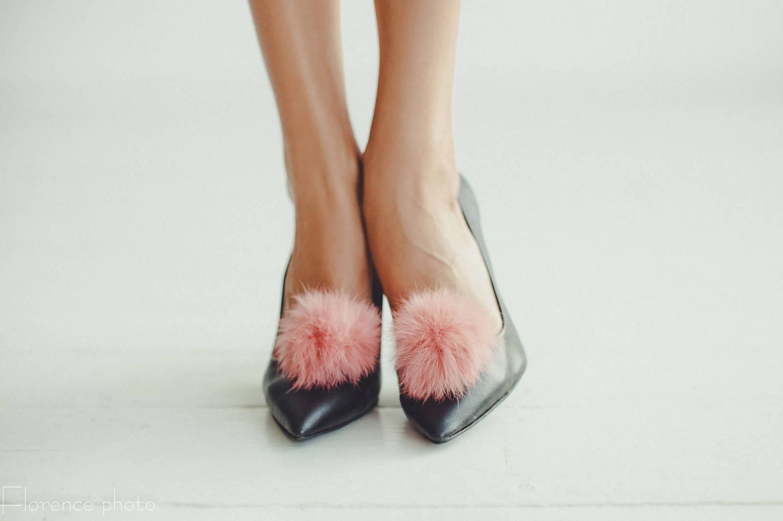 d6a40651b Real Fur Pom Poms For Shoes/Des Boules En Fourrure Pour Les Chaussures  (Clip) - $8.49