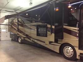 2017 Fleetwood Discovery 37R for sale by Owner - Sullivan , IL image 2