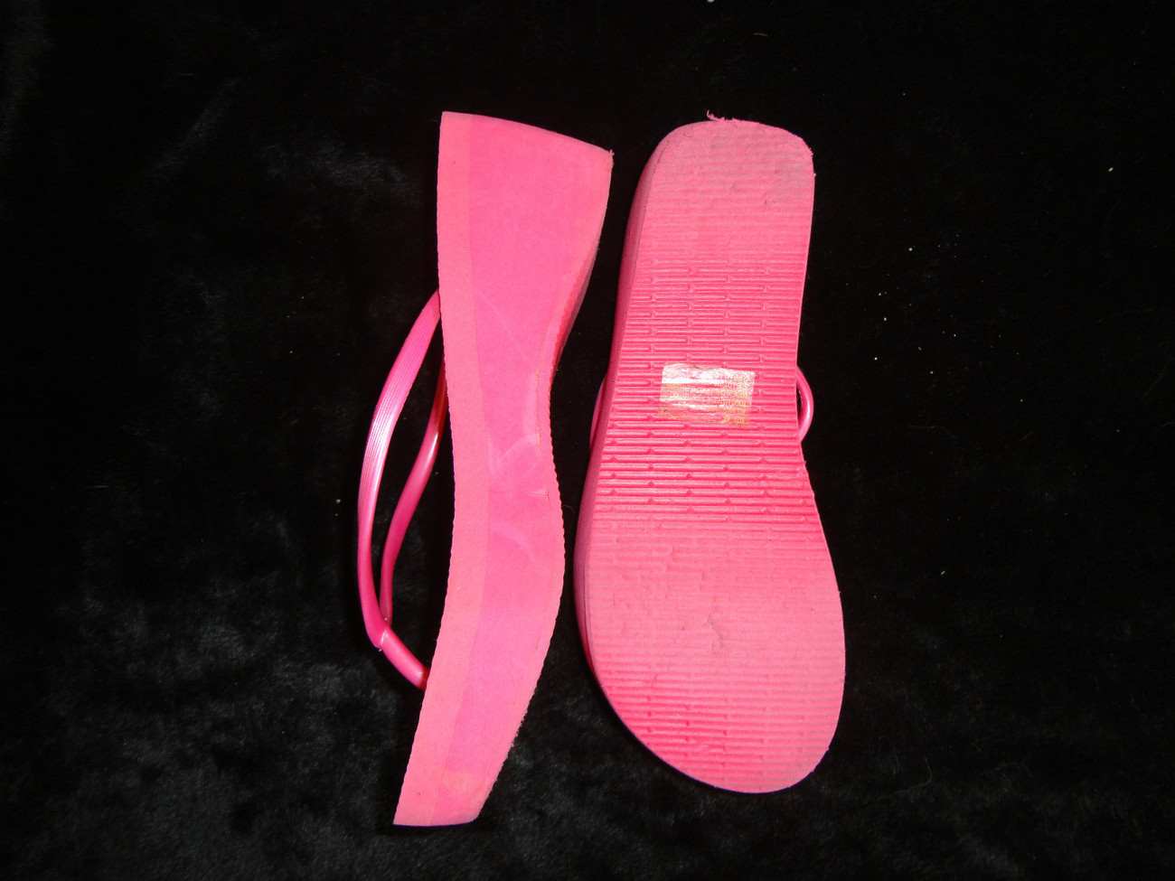 PINK WOMANS FLIP FLOPS SUMMER SIZE 6